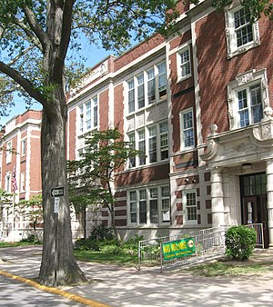 Larchmont, New York - Chatsworth Avenue School