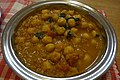 Chickpeas curry (8563900925).jpg