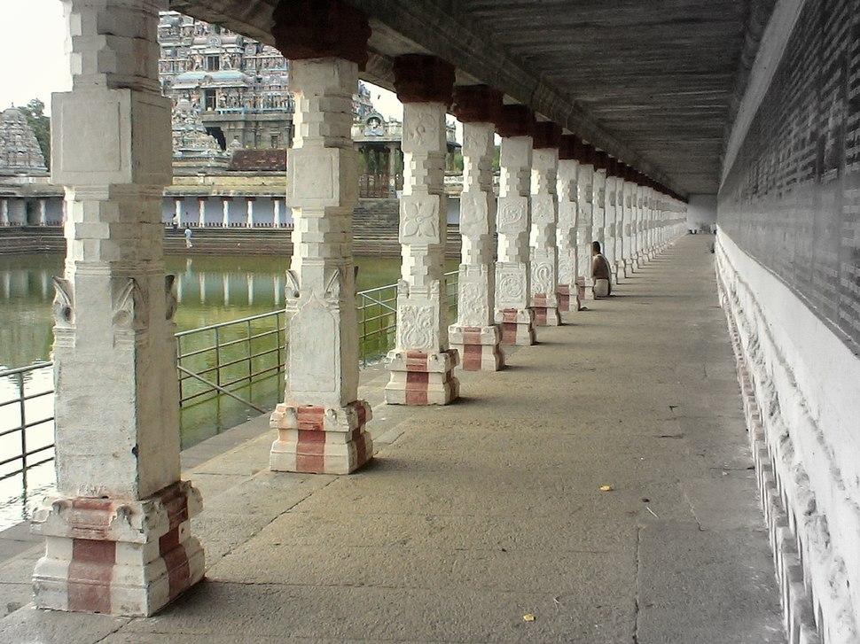 Chidambaram Nataraja temple Shivaganga tank porch