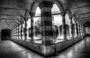 Chiostro di Sant'Agostino (Genova) 02.jpg