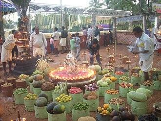 Choorakkottukavu Bhagavathy Temple - Image: Choorakkattukara karthika festival 2011 DSCN1234