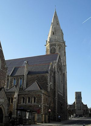 St Leonards-on-Sea Congregational Church - Image: Christ Church and Former URC Church, St Leonards on Sea