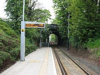 Cinderhill tram stop - Image: Cinderhill Tram Stop 3 (geograph 1869449)