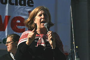 Cindy Sheehan speaks at free Palestine rally i...