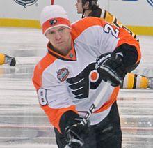 220px-Claude_Giroux_%284242242146%29_%28cropped%29 Claude Giroux Claude Giroux Philadelphia Flyers