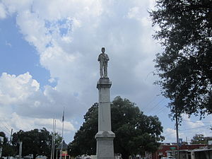 Madison Parish, Louisiana - Confederate soldier statue on Madison Parish Courthouse lawn