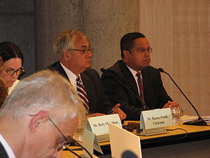 Barney Frank - Image: Congressmen Ellison & Frank at Financial Services Field Hearing on Home Foreclosures in Minneapolis