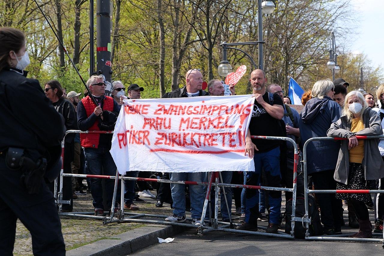 Conspiracist protest Berlin 2021-04-21 72.jpg