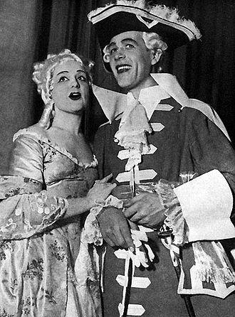 Hjördis Schymberg - Schymberg as Fiordiligi (Così fan tutte) in the 1940s, with Hugo Hasslo