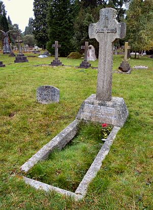 Cosmo Duff-Gordon - Grave of Duff-Gordon in Brookwood Cemetery
