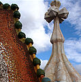 Crucifix and Dragon's back in Casa Batlló - Barcelona 2014 (2).JPG