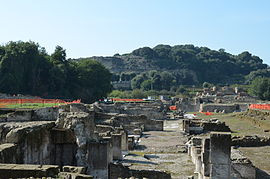 Cumae acropolis seen from lower city AvL.JPG