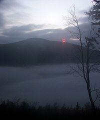 Czarna Góra i mgła dolinna.jpg