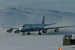 Dc-8 landing thule.jpg