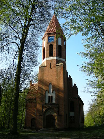 http://upload.wikimedia.org/wikipedia/commons/thumb/c/c2/Debowa_Laka_church.jpg/360px-Debowa_Laka_church.jpg