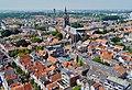 Delft Blick von der Nieuwe Kerk auf die Oude Kerk 1.jpg