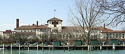Detroit Yacht Club Belle Isle.jpg