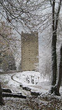 Deuxième tour de Montmayeur.JPG