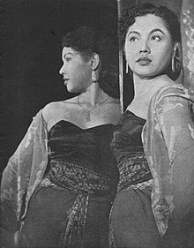 Dhalia in Lewat Djam Malam, Film Varia 1.6 (May 1954), p11.jpg