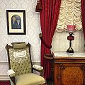 Disneyland Apartment (15666353640).jpg