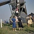 Diverse personen van o.a. de vereniging, tijdens een excursie van de Vereniging Hollandsche Molen - Stramproy - 20372361 - RCE.jpg