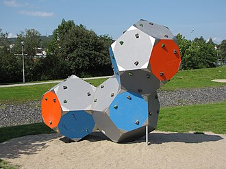 Regular dodecahedron - A climbing wall consisting of three dodecahedral pieces
