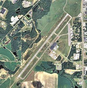 Douglas Municipal Airport (Georgia) - 2006 USGS airphoto