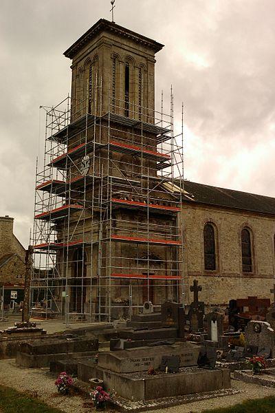 Église en rénovation de fr:Doville