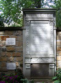 Dresden Innerer Neustädter Friedhof Grab Rumohr 1.jpg