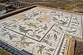 Edificio del mosaico de Neptuno en Itálica (32804348922).jpg