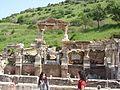 Efeso - Fontana di Traiano - panoramio - Geobia7.jpg