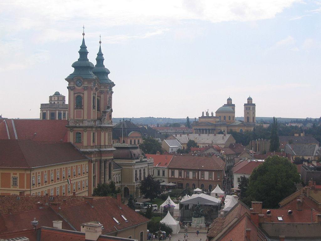 Вид города Эгер (Венгрия)