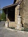 Eglise d'Ornézan - Aile ouest et croix.jpg