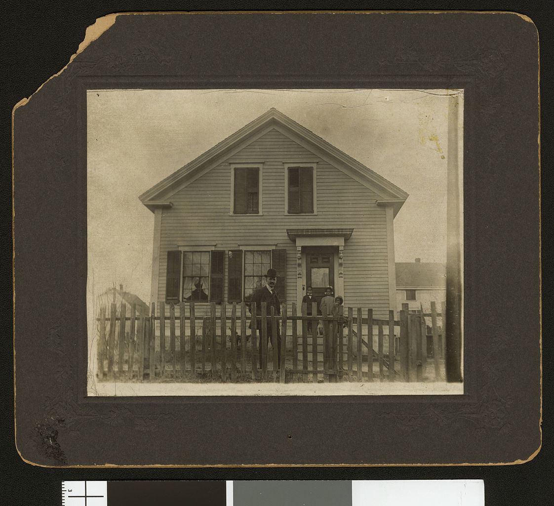 file ellis spears outside his home  circa 1901