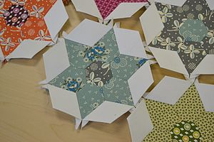 English paper piecing - Star shapes made by paper piecing
