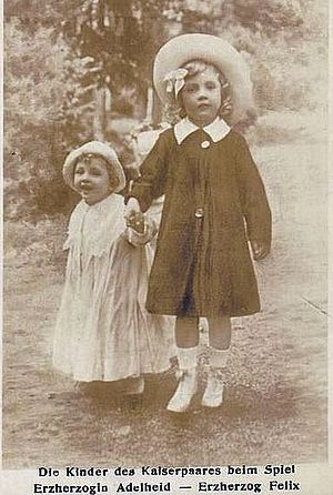 Archduchess Adelheid of Austria - Adelheid Habsburg-Lorraine (right) and her younger brother, Felix Habsburg-Lorraine, 1918