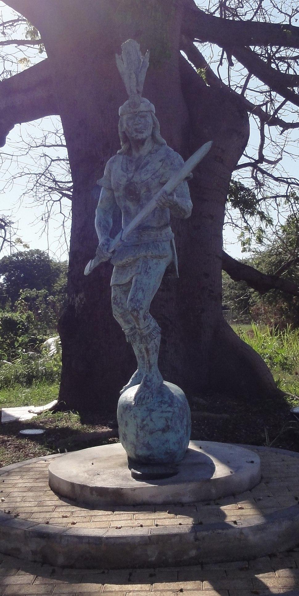Estatua de Agüeybaná II, El Bravo, en el Parque Monumento a Agüeybaná II, El Bravo, en Ponce, Puerto Rico (DSC02672C)