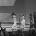 Eurovision Song Contest 1976 rehearsals - Germany - Les Humphries Singers 4.png