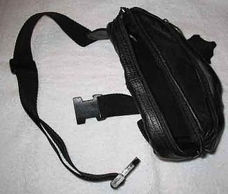 Fanny pack - Image: Fannypack 1a