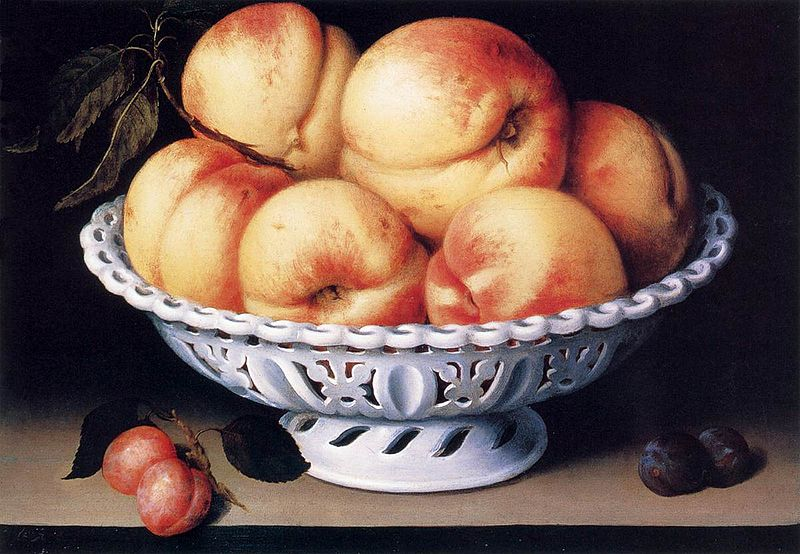 File:Fede Galizia White Ceramic Bowl with Peaches and Red and Blue Plums.jpg