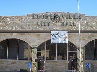 Floresville, Texas - Image: Floresville, TX, City Hall IMG 2677