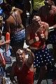 Foliões curtindo a passagem do Bloco Coruja com Ivete Sangalo no Circuito Osmar em (21.02). Foto- Tatiana Azeviche - Setur (6917647791).jpg