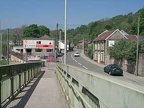 Footbridge off Pentrebach road, Pentrebach - geograph.org.uk - 421738.jpg