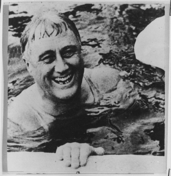 File:Franklin D. Roosevelt in Warm Springs, Georgia - NARA - 196576.jpg