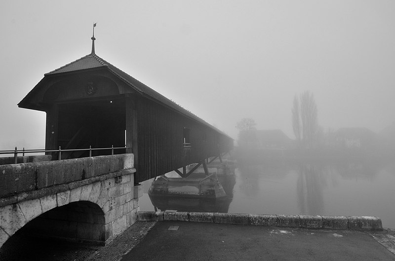 File:Franzoseneinfall (Schweiz) - 1798 - Büren an der Aare - Heutige Holzbrücke.jpg