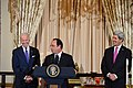 French President Hollande Delivers Remarks at a State Lunch (12466992024).jpg