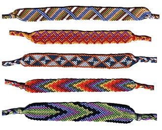 Friendship bracelet - Friendship bracelets – special forms.