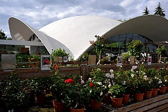 Heinz Isler - Concrete shell roof of the garden center Wyss in Zuchwil, (1962)
