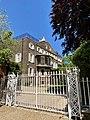 Gates to 1 and 2 East Heath Road, Hampstead, June 2021.jpg