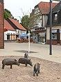 Gehrden Fussgängerzone Schweine neu.jpg
